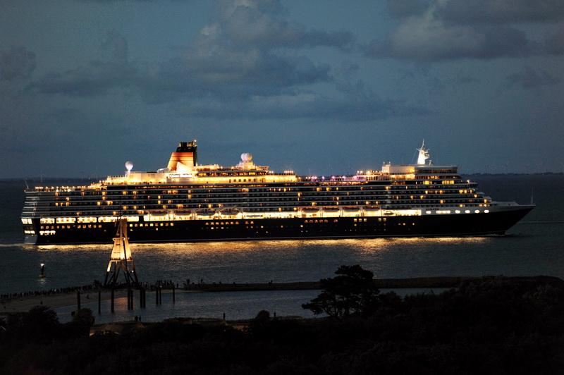 das Kreuzfahrtschiff Queen Elizabeth
