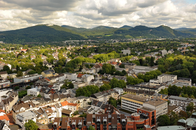 Blick vom Turm der Godesburg Richtung Siebengebirge