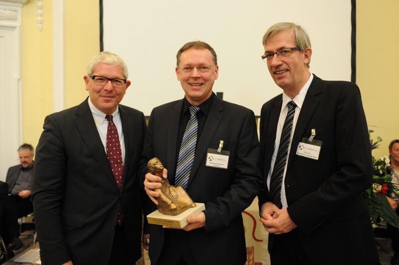 Helmut Graf (Vorstand VNR AG) , Pastor Andreas Brummer, Preisträger Beste Predigt 2014, Prof. Dr. Reinhard Schmidt-Rost, Laudator