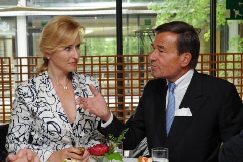 Inhaber von TRIGEMA, mit Ehefrau Elisabeth, 2011