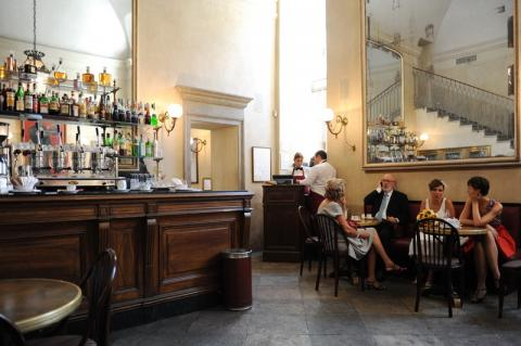 Bar im Palazzo Reale, nahe dem Hochzeitssaal