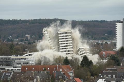 Sprengung des Bonn-Centers am 19.3.2017 vom Venusberg aus gesehen